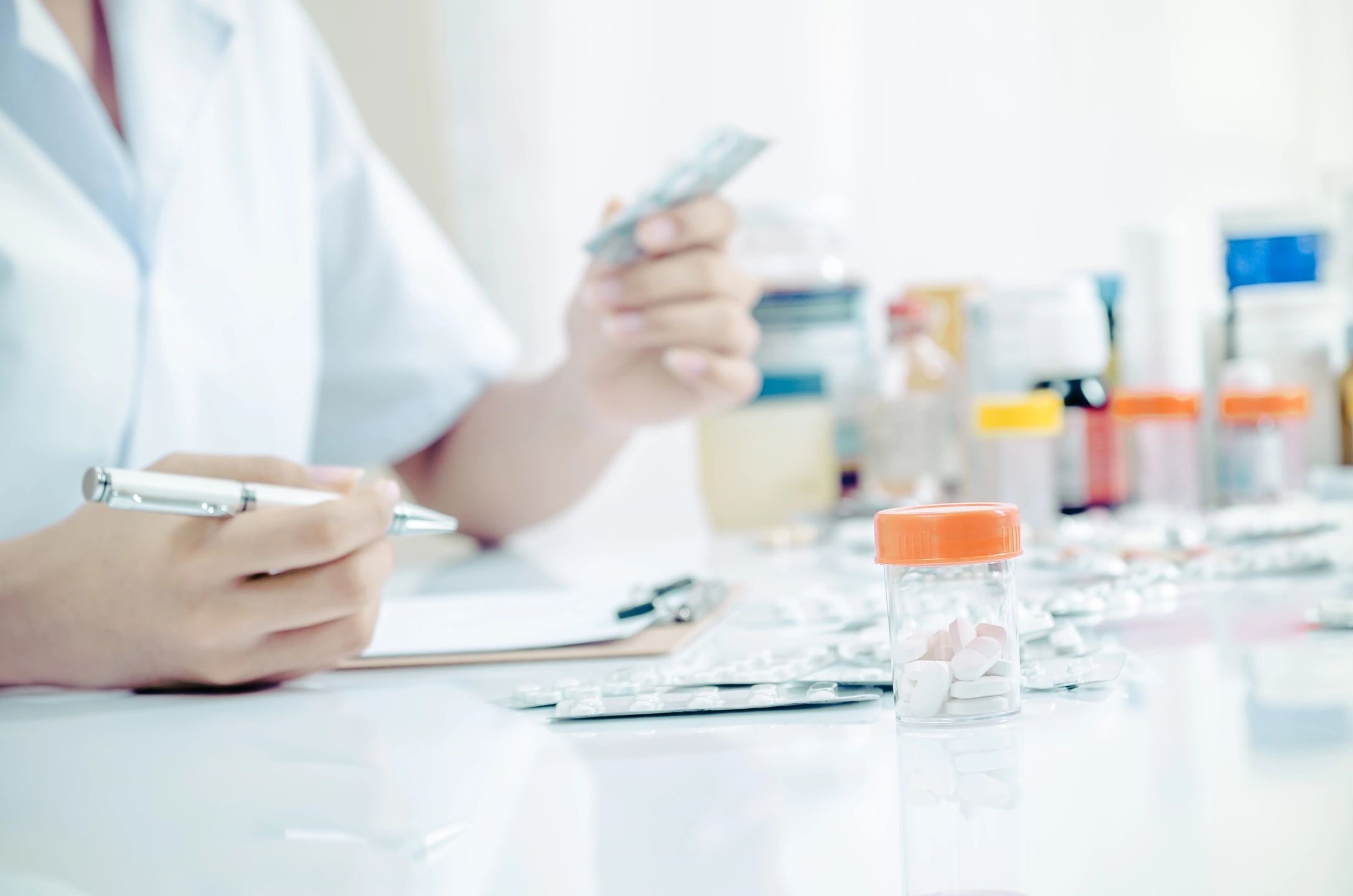 the importance of a pharmacist in the One of the most important professional roles of a licensed pharmacist is patient education, commonly referred to as counseling counseling is beneficial to both patients and pharmacists.